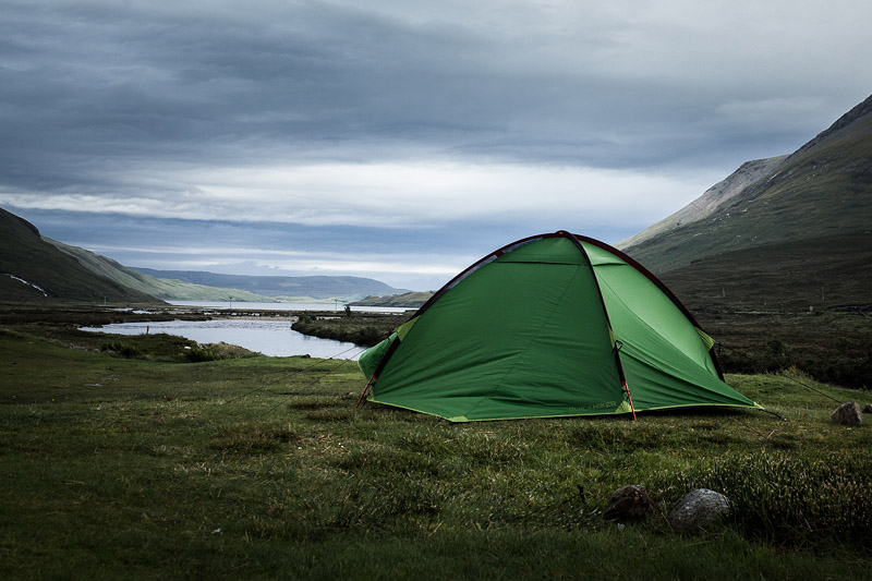 This summer I had my first camping trip ever and discovered the wild beauty of the Scottish Highlands. Let me recap for you what I loved about this style of travelling the most.