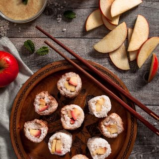 Sweet Sushi with rice pudding, apple and cinnamon