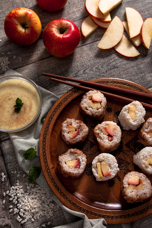 Rice Pudding Sushi with apple and vanilla sauce. Why not have sweet ...