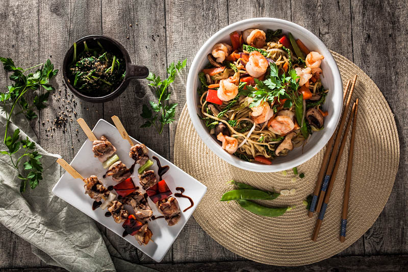Commissioned work - food photography and food styling for MoschMosch. Sabrina Dietz // Purple Avocado - Yakitori skewers and noodle bowl