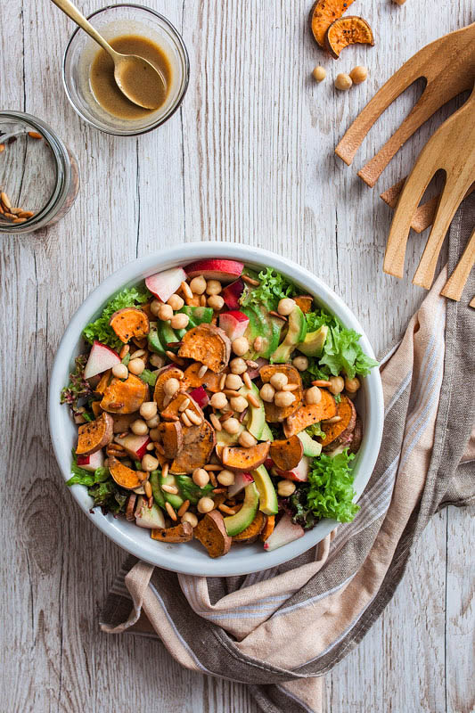 Up your salad game: Nectarine Sweet Potato Salad with a Maple Syrup-Mustard Dressing, creamy avocado, crisp pine seeds and fresh spinach or salad. The perfect summer salad for bbq or on the go can be enjoyed both, warm and cold. Recipe and Foodstyling from Purple Avocado / Sabrina Dietz