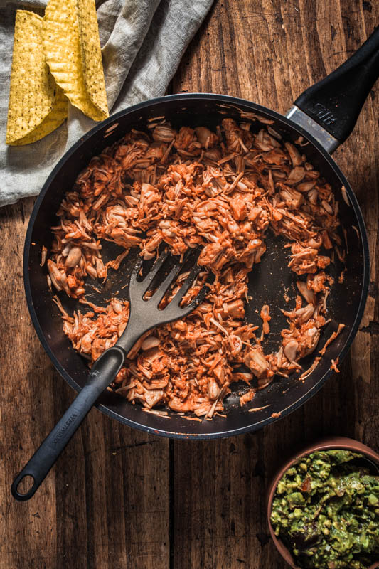 Mexican party food: Pulled BBQ jackfruit from the pan