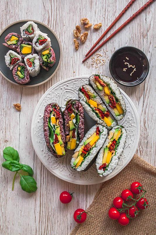 Vegetarisches Onigirazu Rezept (Rainbow Sushi Sandwiches)