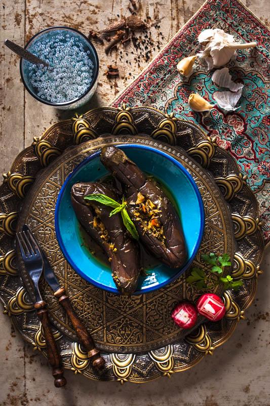 Torshie bademjoon shekam por – Gefüllte Aubergine & Süßes Basilikum-Samen Getränk