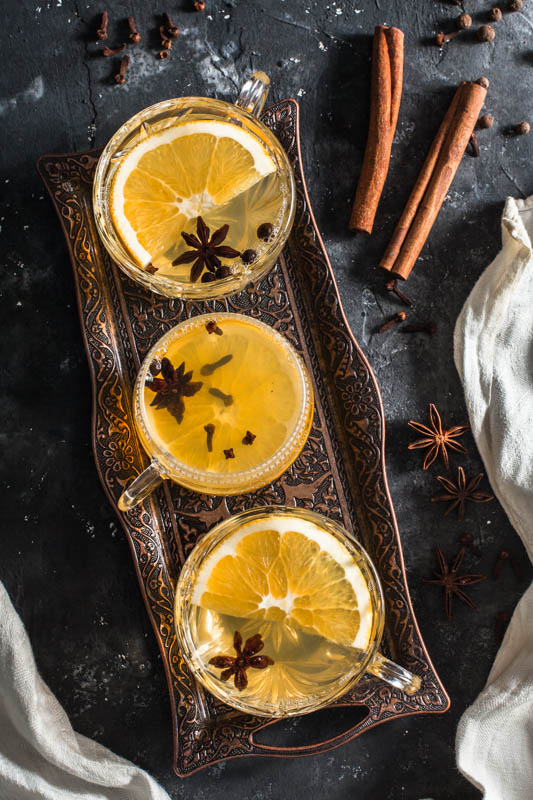 German gluhwein recipe for a mulled white wine with orange lemonade.