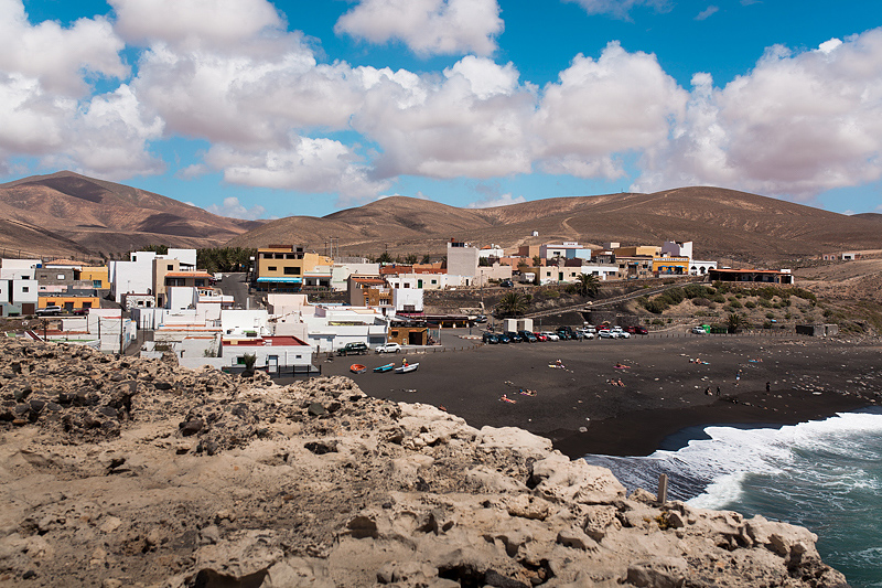 Travel guide, adulation and photos from our personal two highlights of the Canaries. Fuerteventuras west coast with Cofete's beach and the caves of Ajuy.