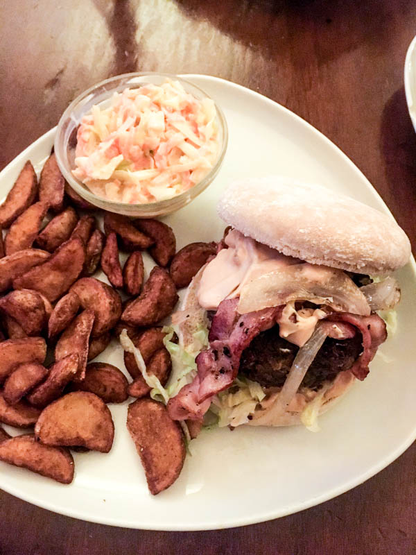 Cheap eats in Hamburg: Bacon Burger with wedges and coleslaw at the Frank & Frei in Hamburg's 'Schanzenviertel'