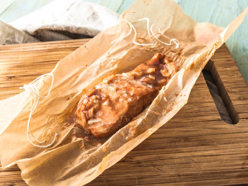 Rezept für rauchige, saftige Pulled Lachs Bagel mit Avocado. #snack #frühstück #bagel #carbs