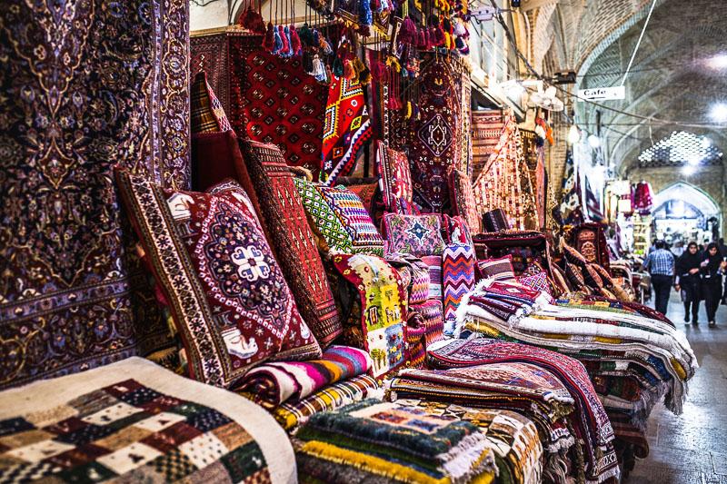 Persische Teppich auf dem Vakil Basar in Schiras