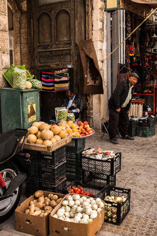 Obst und Gemüsestand in Schiras